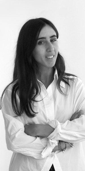 Gabriela de Castro desarrolla proyectos de diseño de mobiliario, interiorismo y visualización 3D.