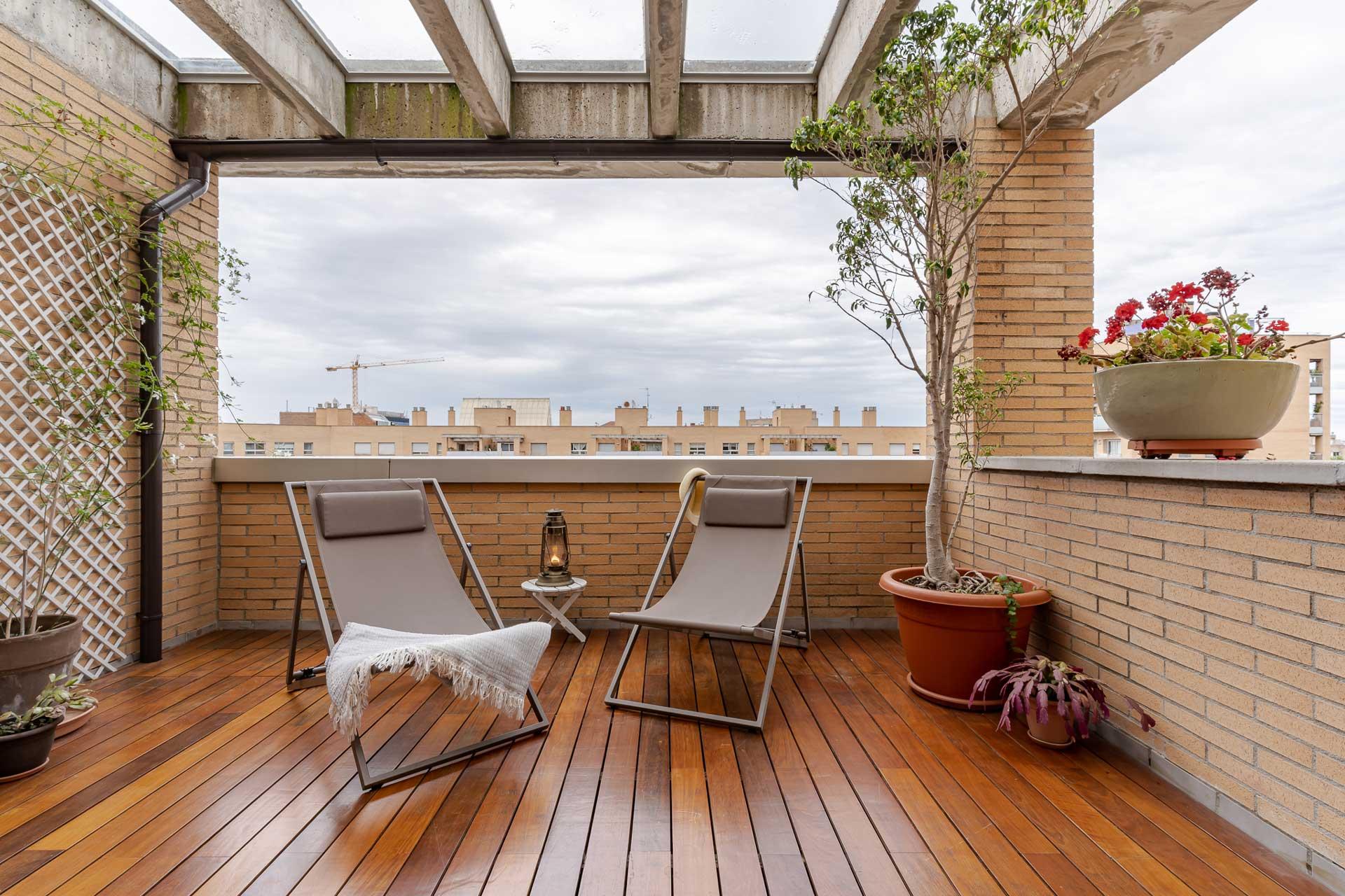 El diseño de terrazas y la recuperación de espacios intermedios marcarán las tendencias de interiorismo de 2021.